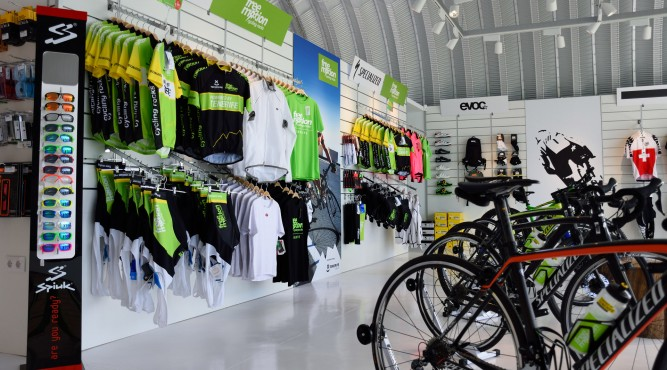 on this picture you an see the shop of FreeMotion. jerseys, bikes, equipment and brands. all you need.