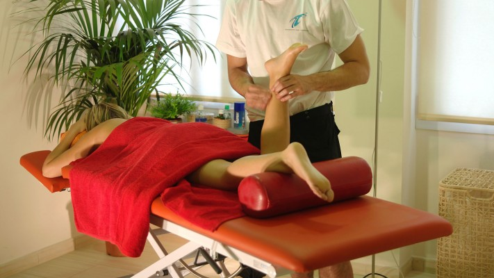 Let yourself be treated or relax by our masseurs. Enjoy your sport massage