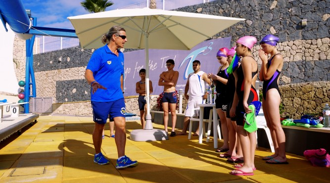 improve your techniques and speed with the coaching of Nick Gillingham. he will explain you how to practice swimming perfectly in the sun of tenerife