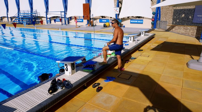 certified coaches offering swimcamps at Tenerife Top Training. here you can see Nick Gillingham coaching at the 50 meter pool
