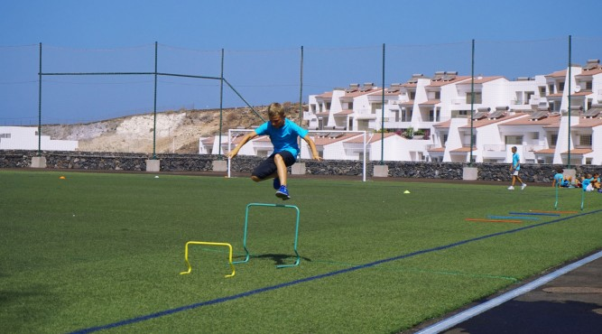 For the 10th time, the summer kids camp takes place in Tenerife Top Training. It is focussing primarily on the physical development of kids