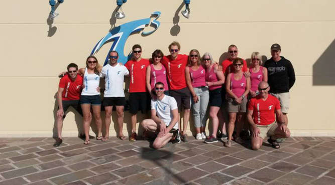 teamfoto of swimmers
