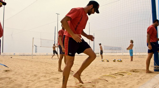 Beachvolleyball Training im Sand