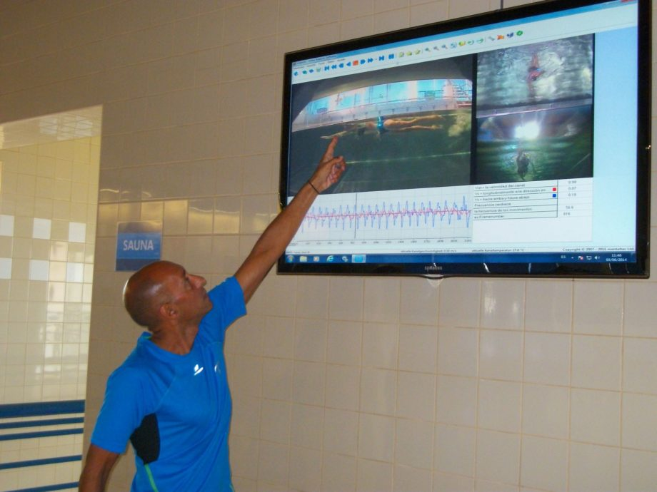 In a counter-current pool, it is possible to generate exact flow velocities and make conditions completely repeatable and reproducible. Unlike in the pelvis, and comparable to a treadmill, the athlete is given a uniform speed.