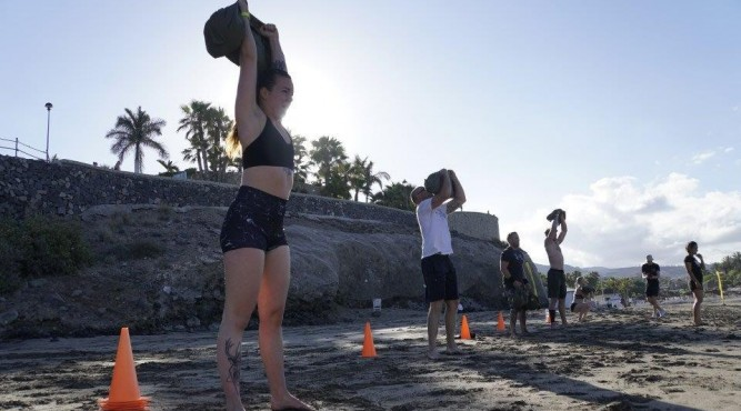 A CrossFit Bootcamp with Beach WODs and Strongman elements