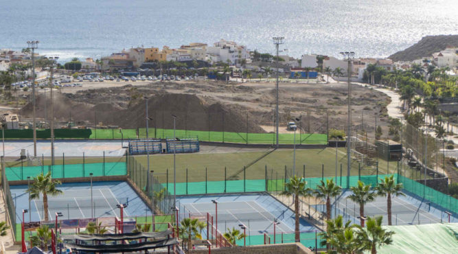 Learn to play tennis, improve the game, eliminate mistakes - nowhere easier than Tenerife Top Training on Tenerife in Spain