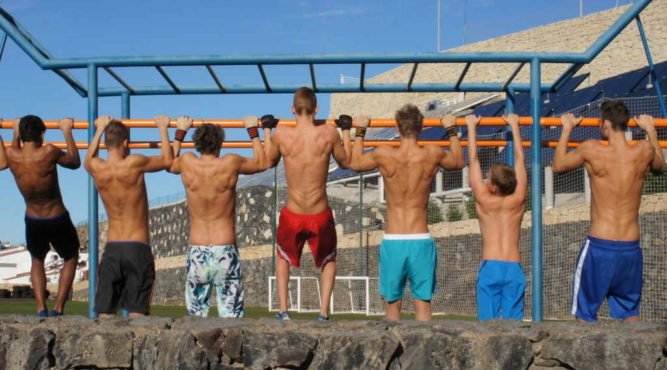 swim camps dryland exercices monkey bar spain