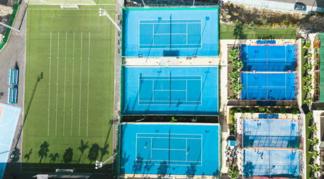 Tennis camps in an environment that also welcomes world class athletes
