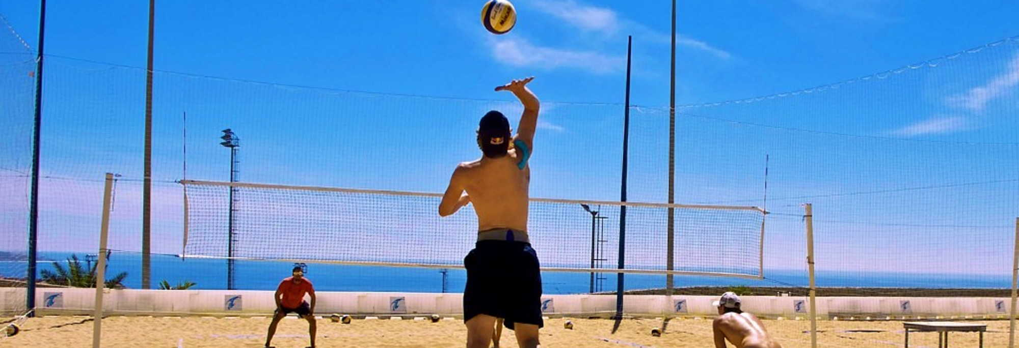 Professional training for beach volleyball in Spain at the Tenerife Top Training sports centre